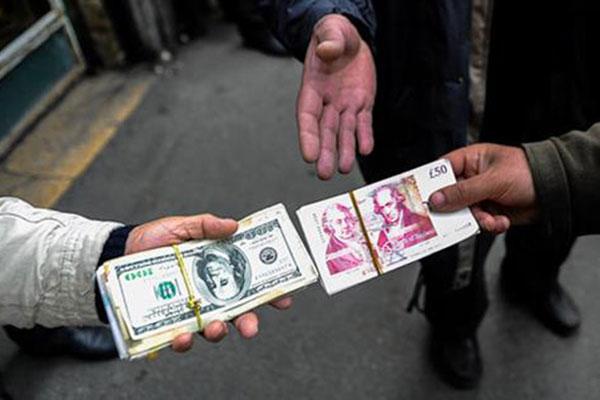 خروج دلالان از بازار ارز