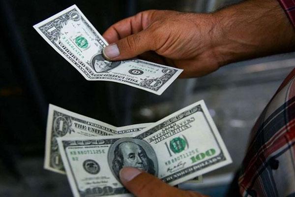 گزارش «اقتصادنیوز» از بازار طلا و ارز پایتخت؛ نزول آرام نرخها در سایه خلوتی بازار واخراج بولتون از کاخ سفید