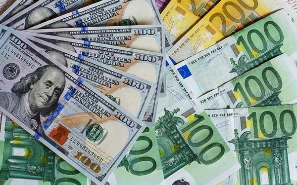 لاریجانی: قیمت واقعی ارز از رقمهای کنونی کمتر است
