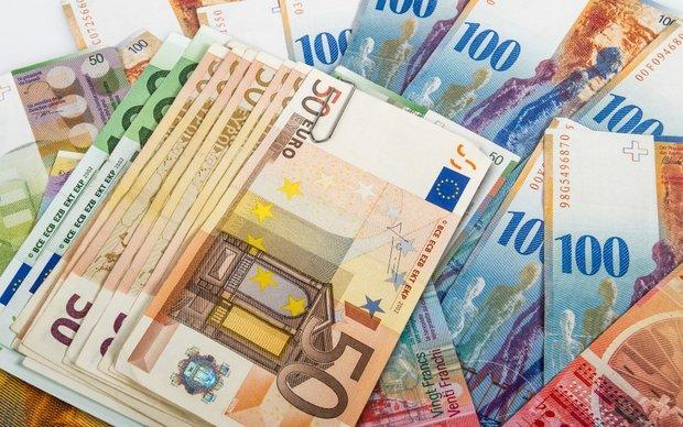 افزایش نرخ رسمی پوند و یورو (9 آبان ماه)