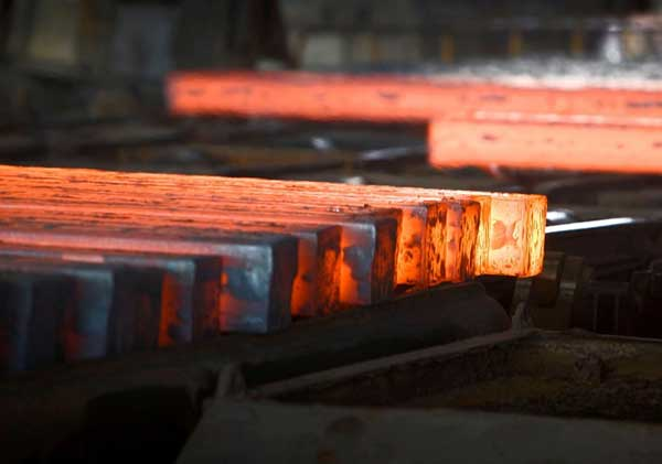 حرکت معکوس قیمت سنگ آهن و زغال سنگ در بازار چین/شمش فولاد چین ۴۷۹دلار