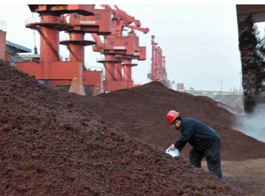 ادامه روند کاهشی قیمت سنگ آهن در چین