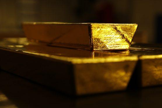 سرمایه گذاران برای ورود به بازار طلا عجله نکنند