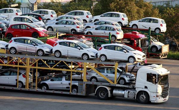 قیمت خودروهای داخلی و وارداتی/جدول