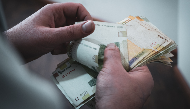 تعیین دستمزد سال آینده متناسب با افزایش هزینهها باشد
