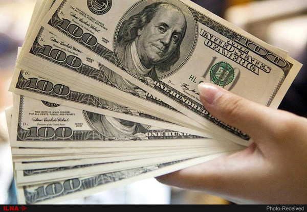 عبور دلار از مرز ۱۴۲۰۰ تومان / دو عامل اصلی گرانی ارز