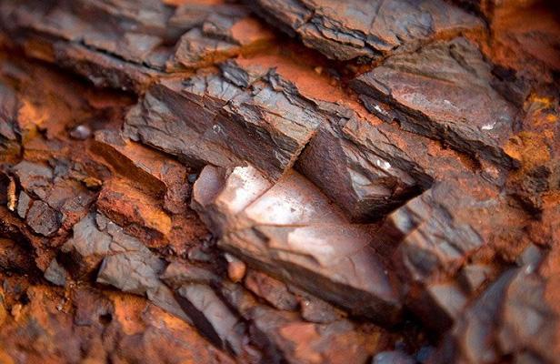 نرخ های جدید فولاد،سنگ آهن و  فلزات در چین