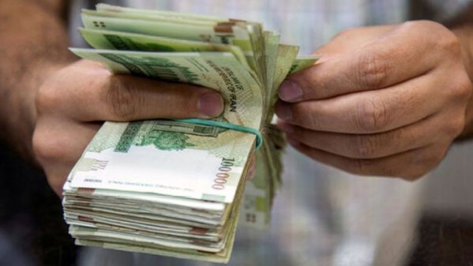 درخواست برگزاری جلسه مجدد شورای عالی کار برای افزایش مزد/ 750 هزار نفر برای دریافت بیمه بیکاری ثبت نام کردند
